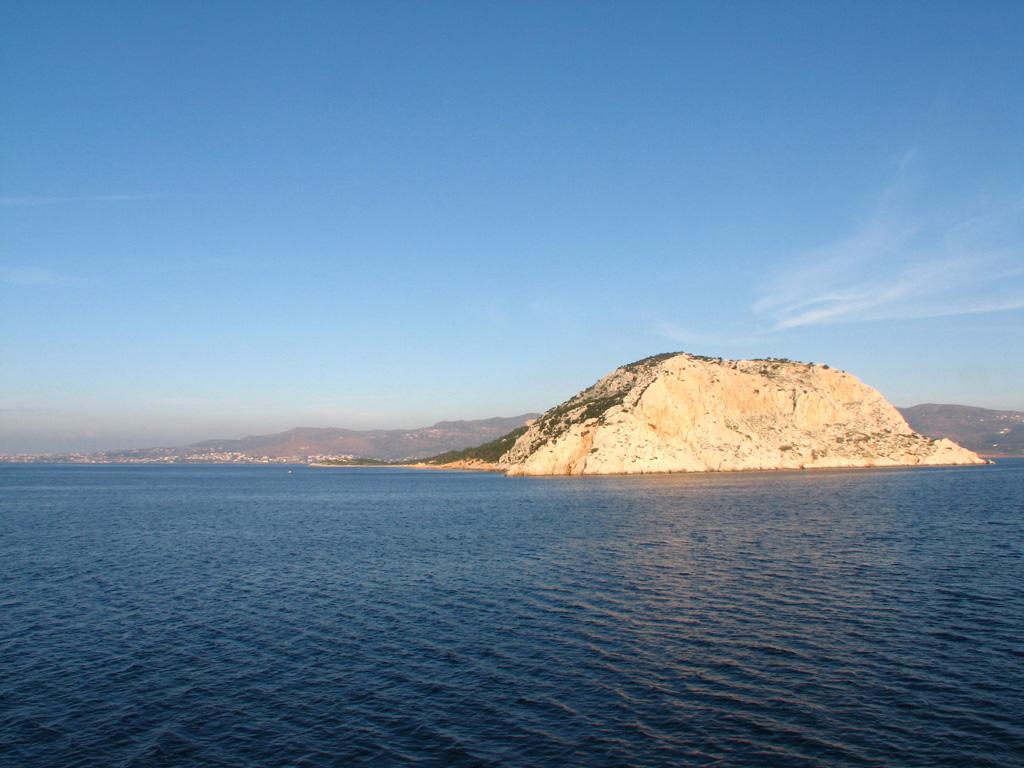こんにちわ、エギナ島! 知ってるひといるかな?(←いるわけない)。 と... ポロス島~エギナ島